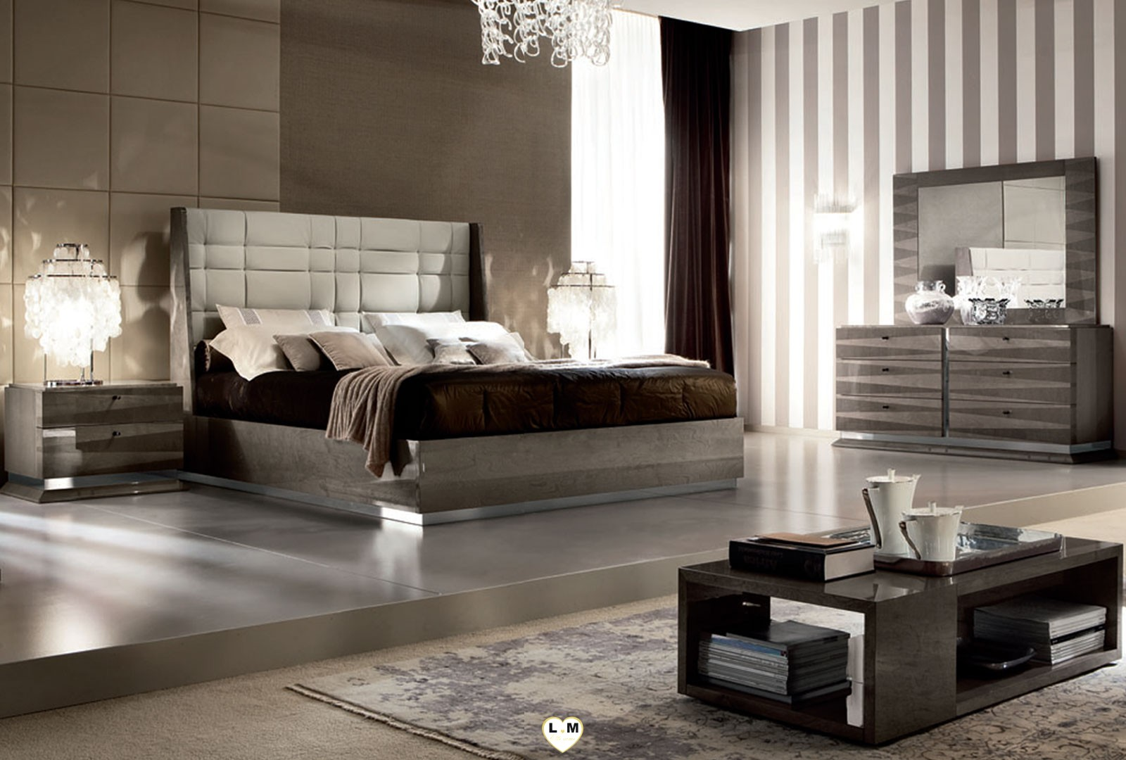 Beverly laque velours taupe ensemble chambre a coucher for Ensemble chambre a coucher