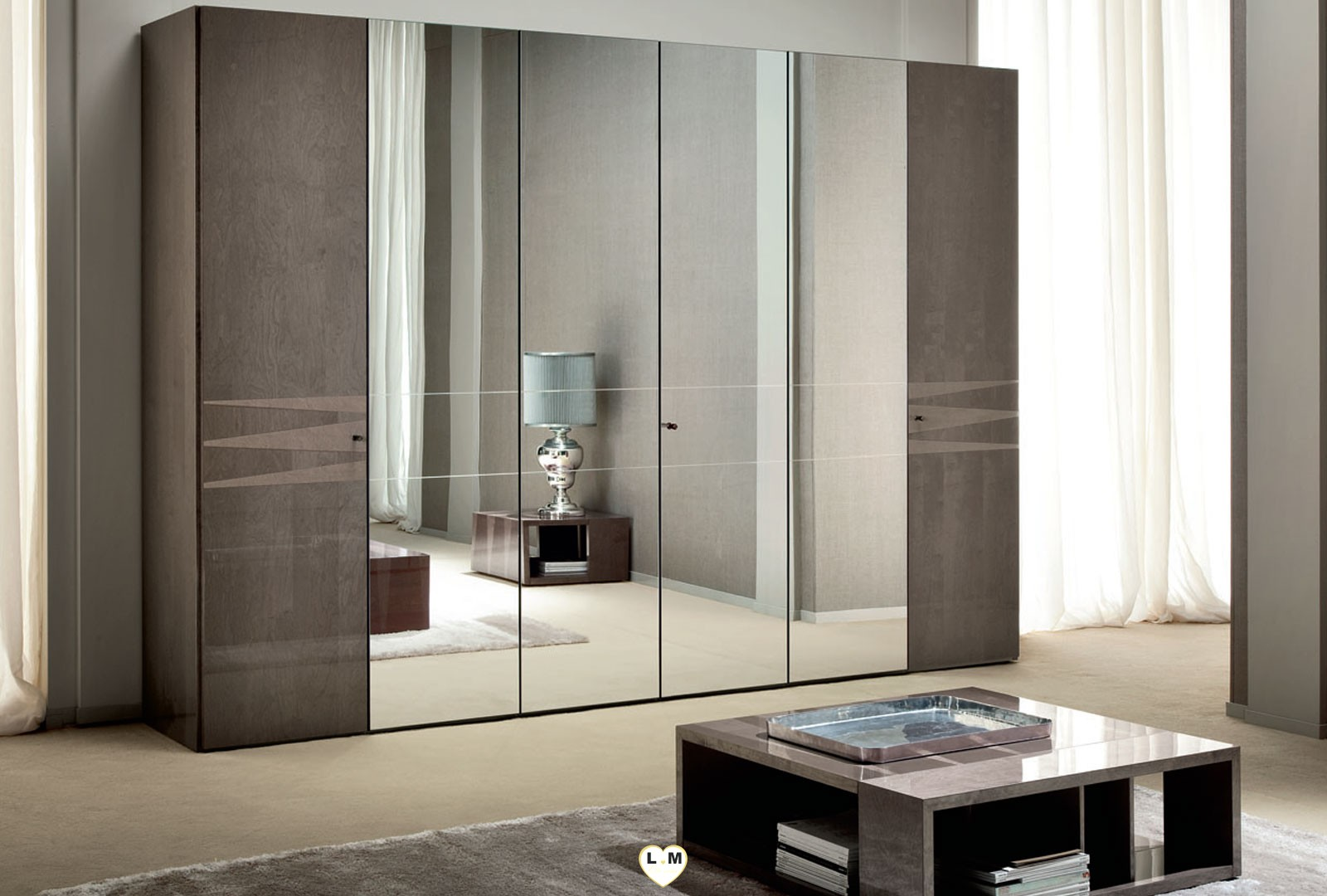 Beverly laque velours taupe ensemble chambre a coucher for Chambre a coucher 6 portes