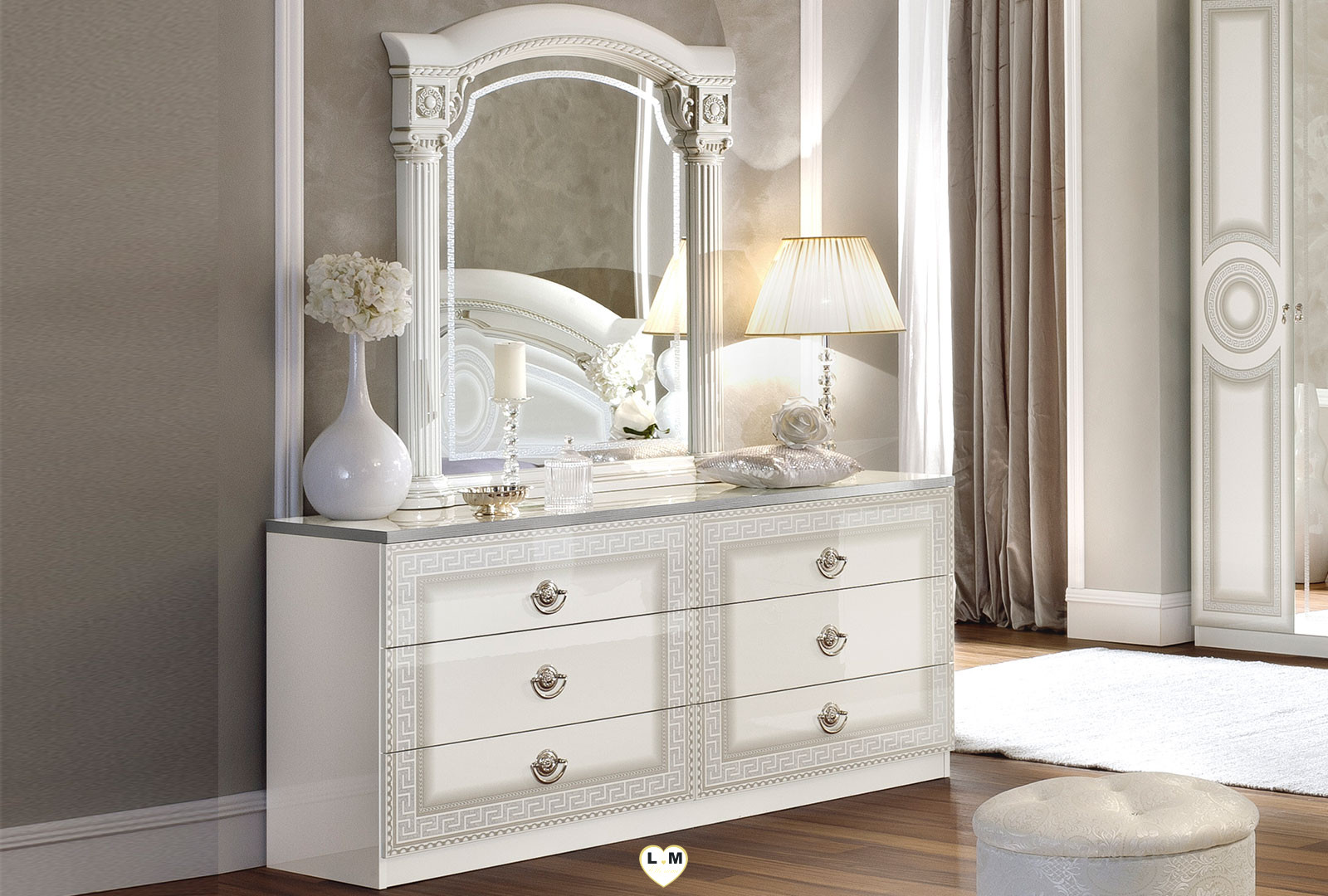 caesar laque blanc et argent chambre a coucher le miroir. Black Bedroom Furniture Sets. Home Design Ideas