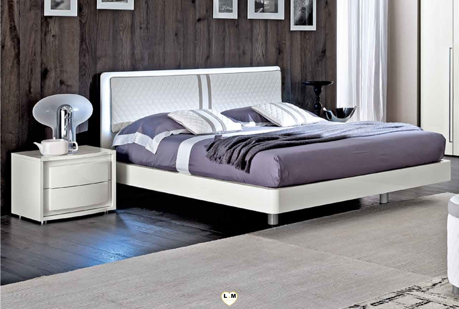 maximus laque blanc brillant chambre a coucher contemporain le lit matelasse 180x200. Black Bedroom Furniture Sets. Home Design Ideas
