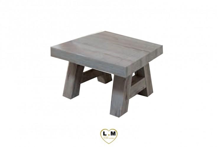 MERIDA CHENE EXCALIBUR SEJOUR SALLE À MANGER: LA TABLE BASSE CARRÉE. Dimensions: L: 68 - P: 68 - H: 43cm.