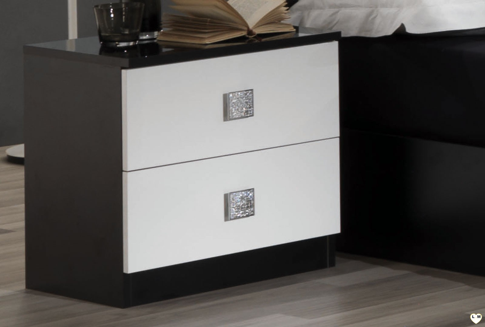 amazonie laque blanc et noir ensemble chambre a coucher lignemeuble com. Black Bedroom Furniture Sets. Home Design Ideas