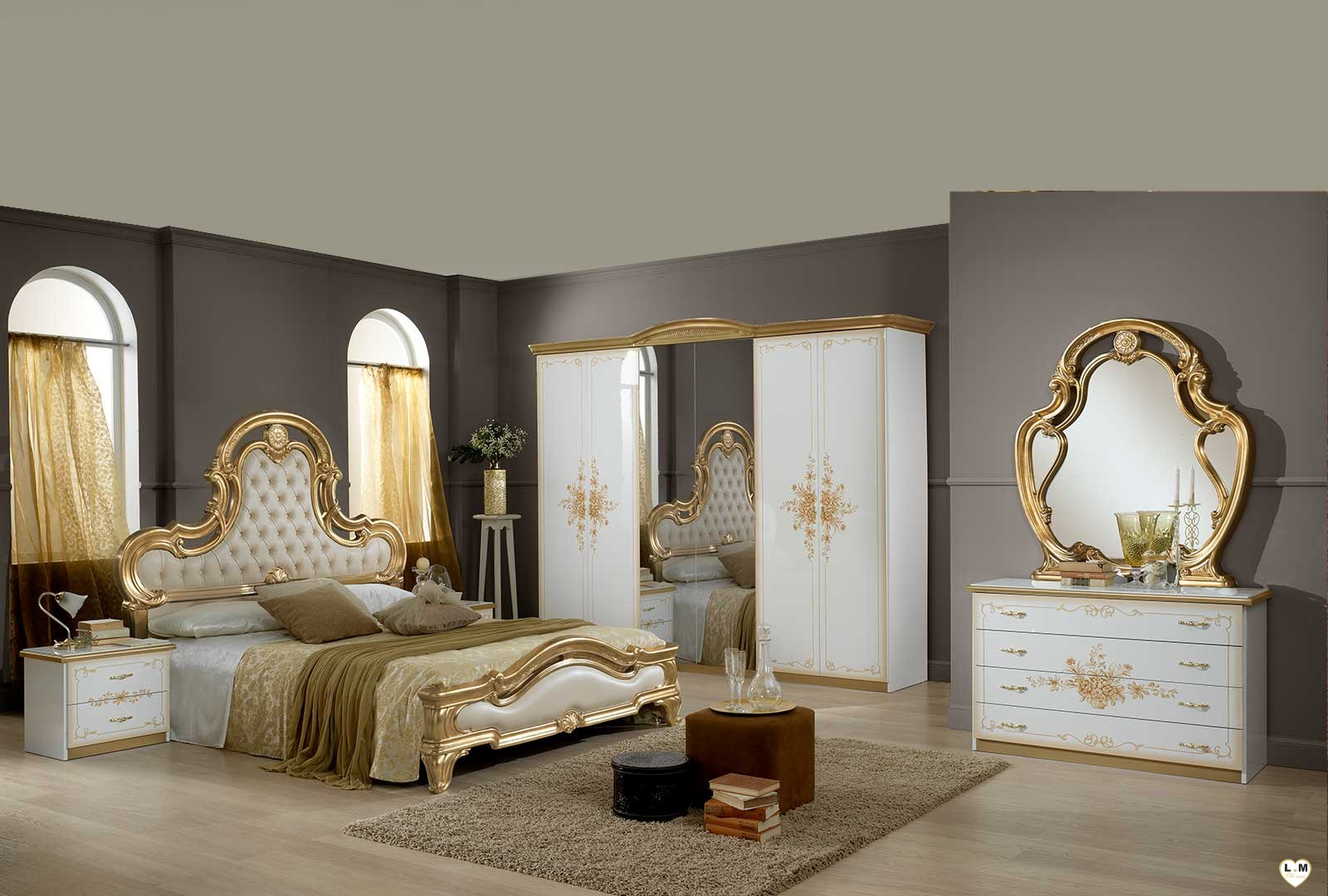 Tiara laque blanc mat et dore ensemble chambre a coucher for Ensemble chambre a coucher